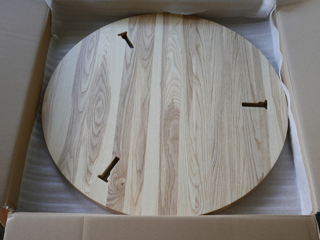 The final first production table top in oak, made in Portugal.