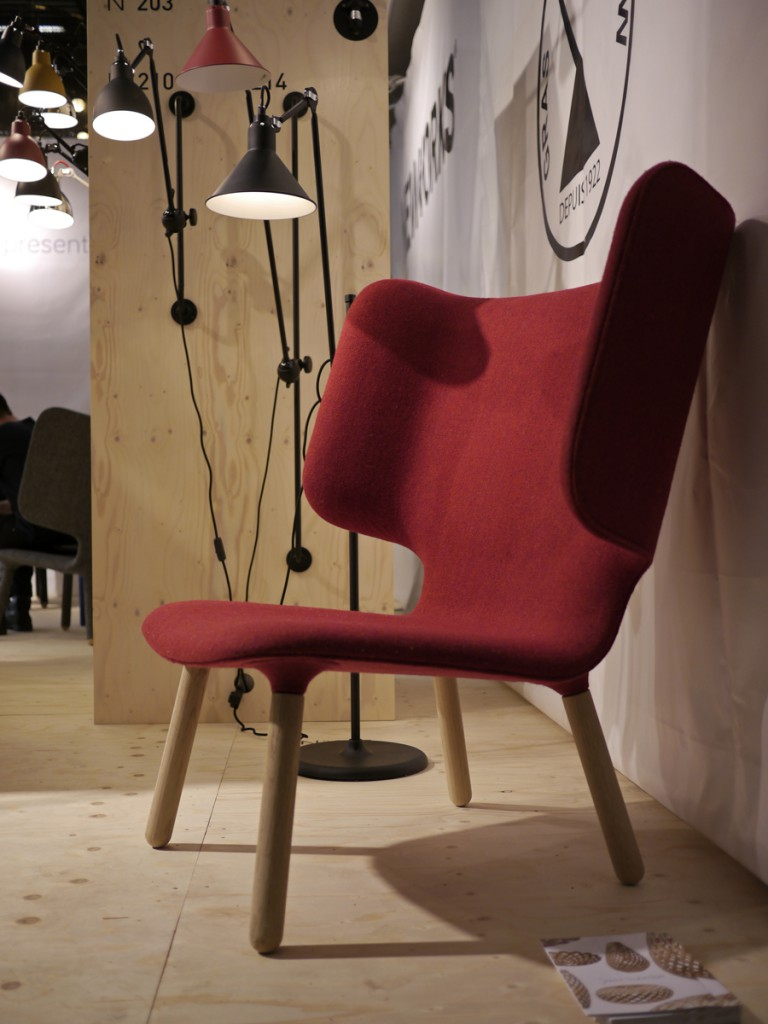 A rare alternative version of the Tembo chair that we tested at the Stockholm fair with plain beech legs instead of upholstery.